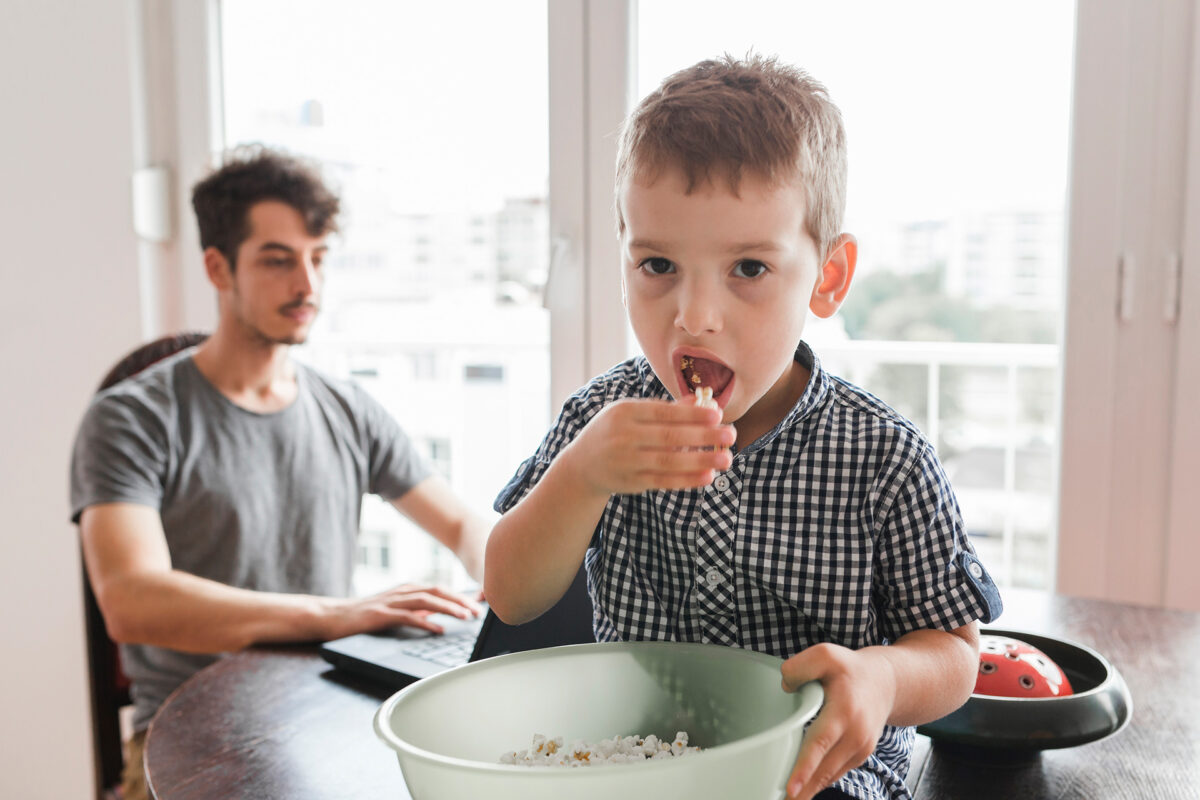 Znakovi koji ukazuju da vaše dijete jede previše soli